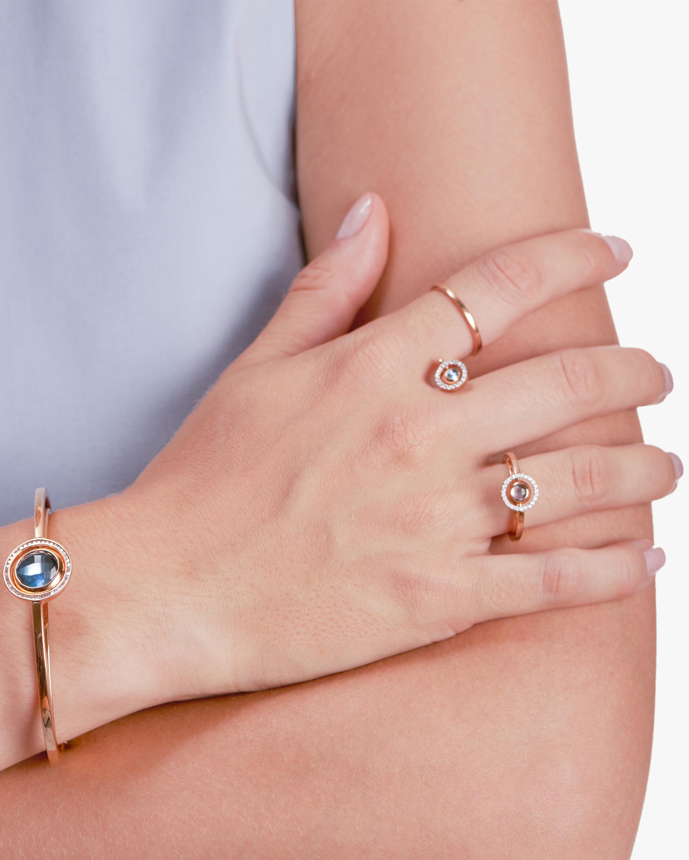 Swiveling Rigid Bracelet
