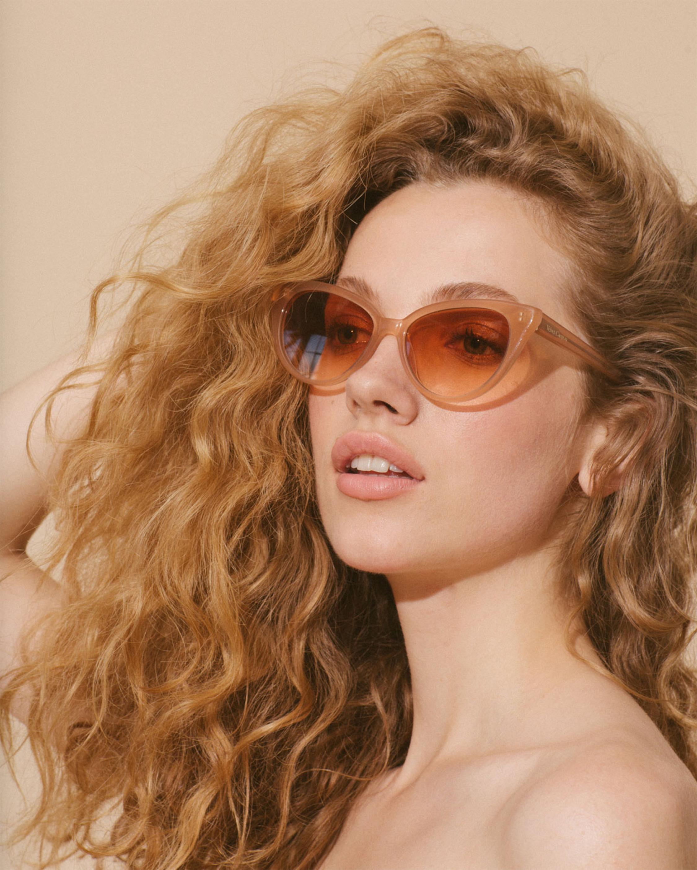 La Femme Cat Eye Frame Sunglasses