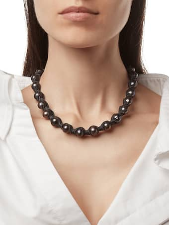 Dahlia Black Necklace
