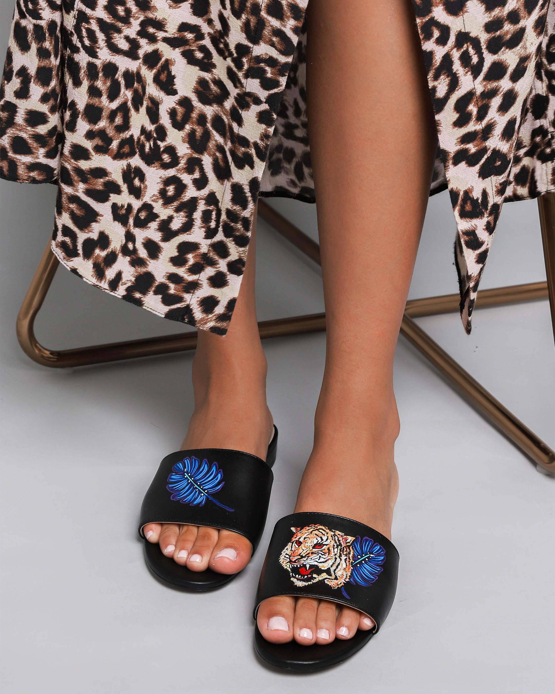 Alepel Hand Painted Royal Tiger Slide Sandal 1