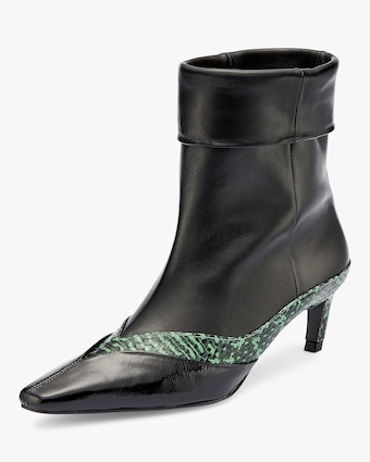 Pointed Frame Boot