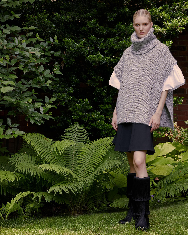 Short Sleeve Cashmere Turtleneck