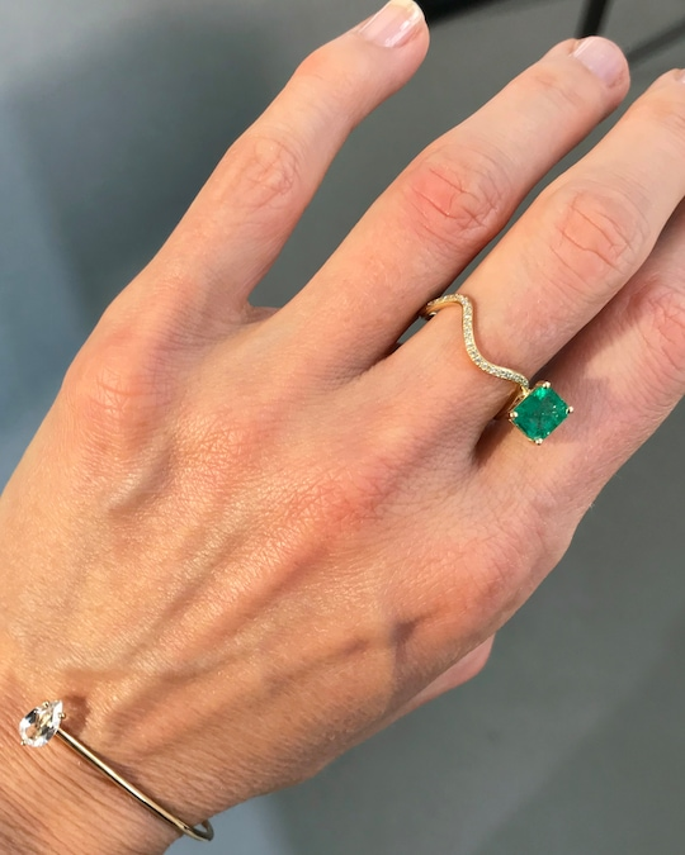 Nayestones Petite Comète Emerald Ring 1