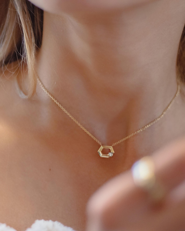 Era Wide Hexagon Necklace 1
