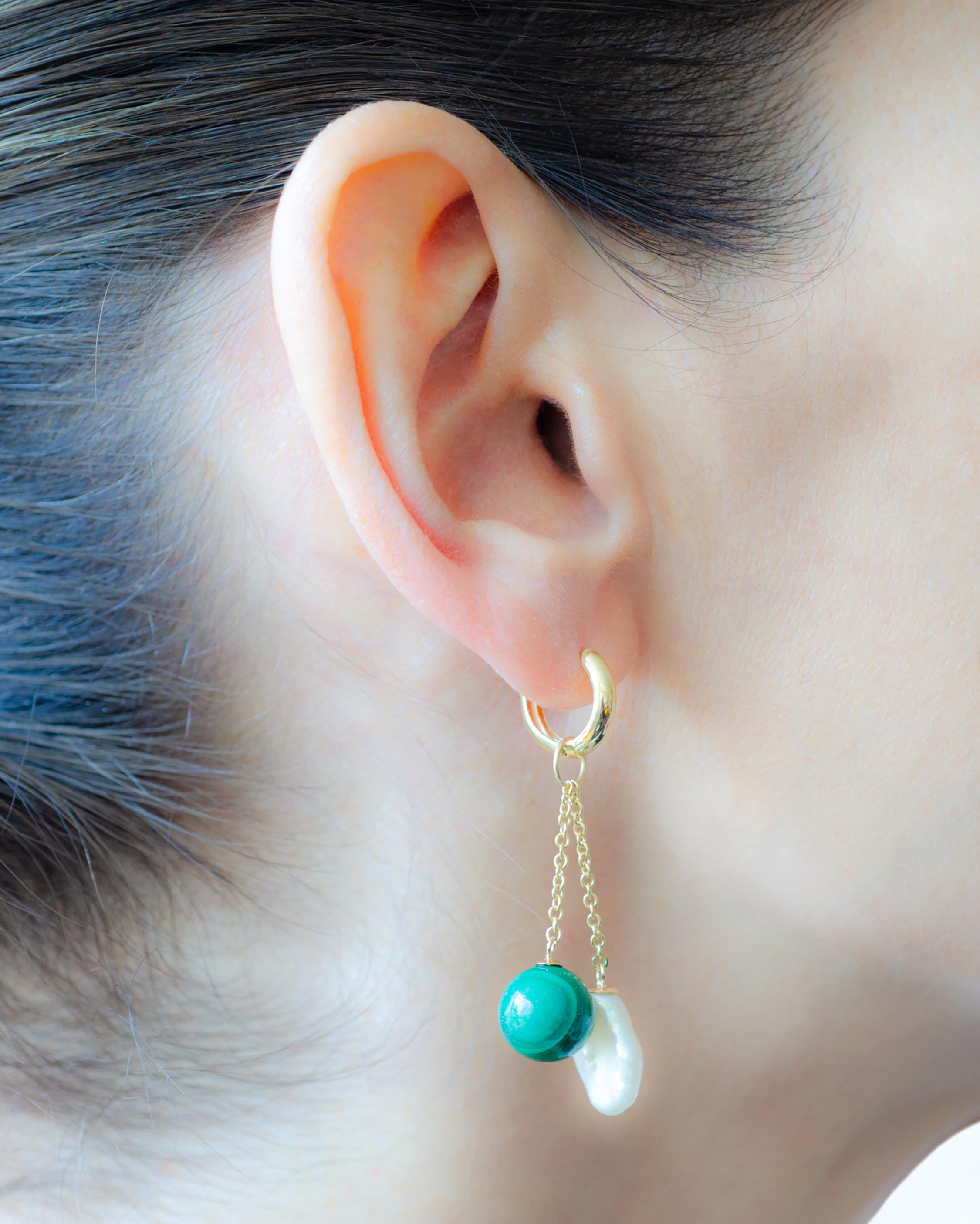 Haute Victoire Single Charm Malachite & Pearl Earring 1