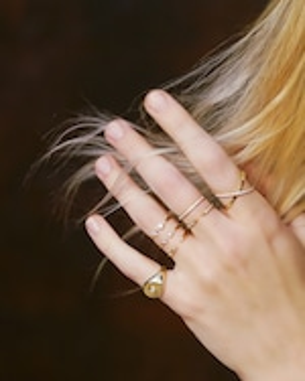 Chérut IO Signet Pinky Ring 1