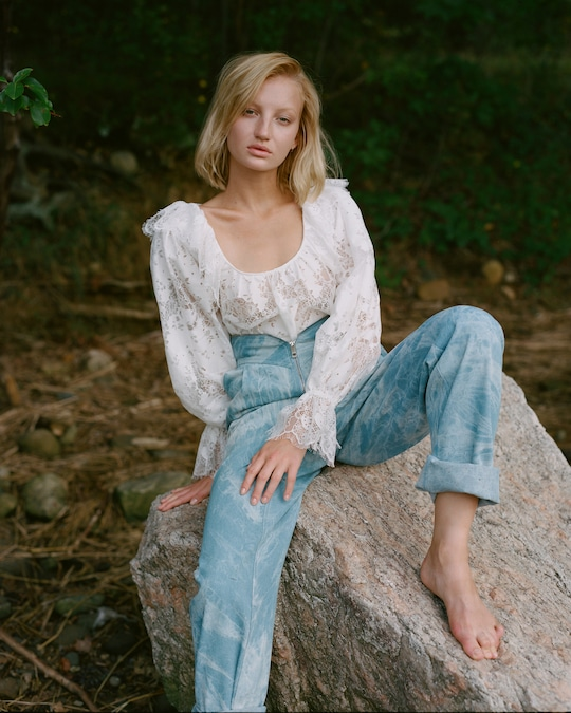 Divine Heritage Sweetheart-Waist Pleated Jeans 1