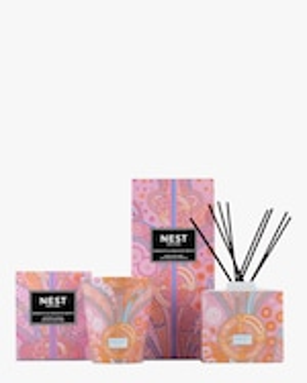 Nest Fragrances Hibiscus & Dragon Fruit Classic Candle 8.1 oz 1