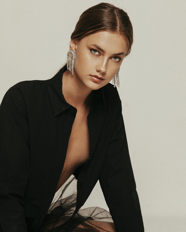 MÄHA & MORENA Crystal Rain Earrings 2