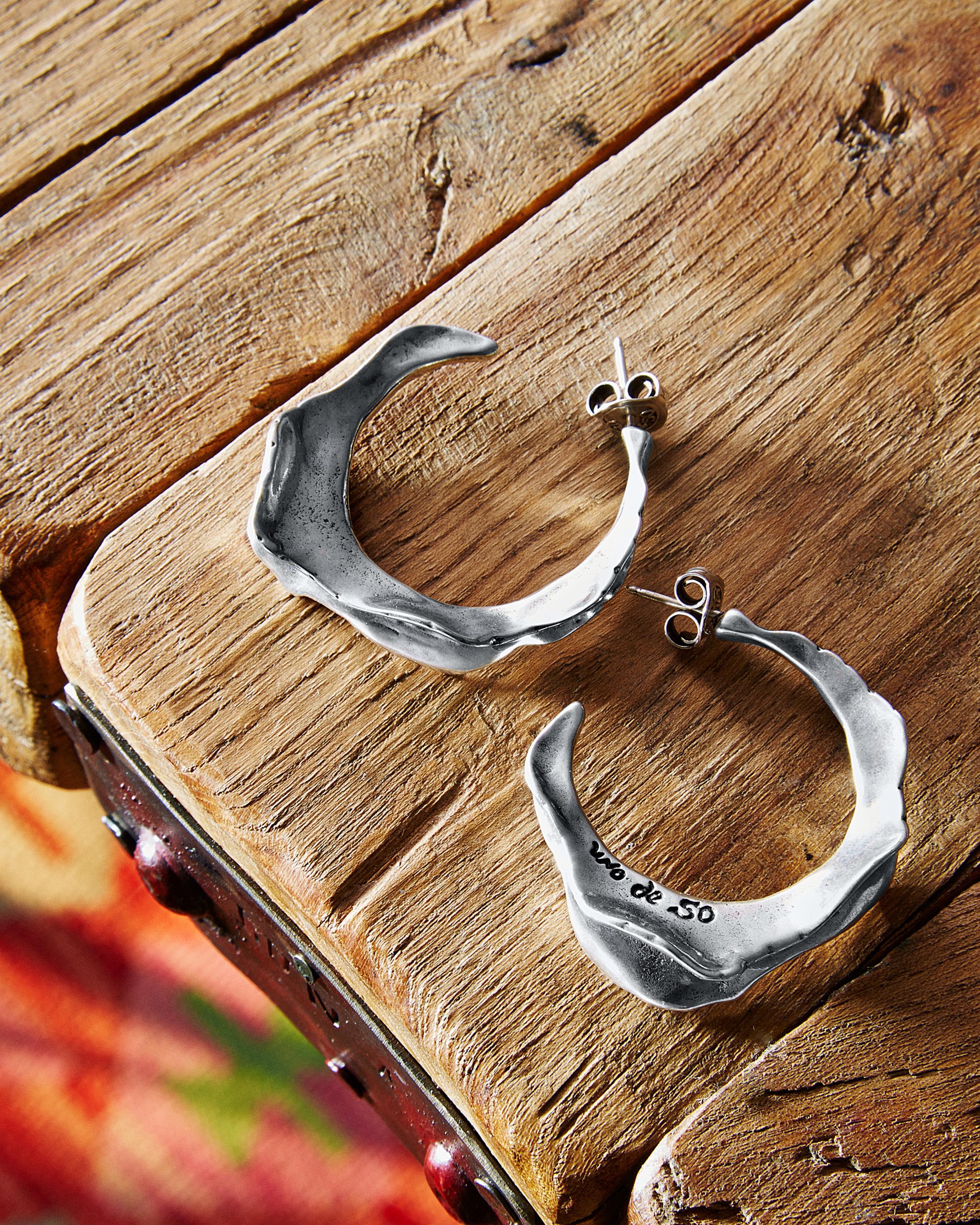 UNOde50 Swaggy Hoop Earrings 2