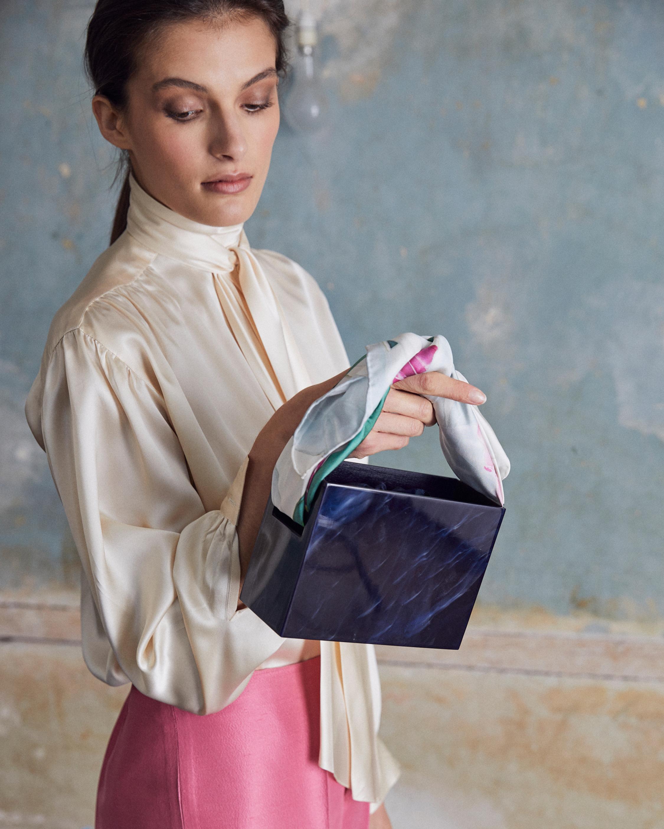 Montunas Mini Guaria Handbag 4