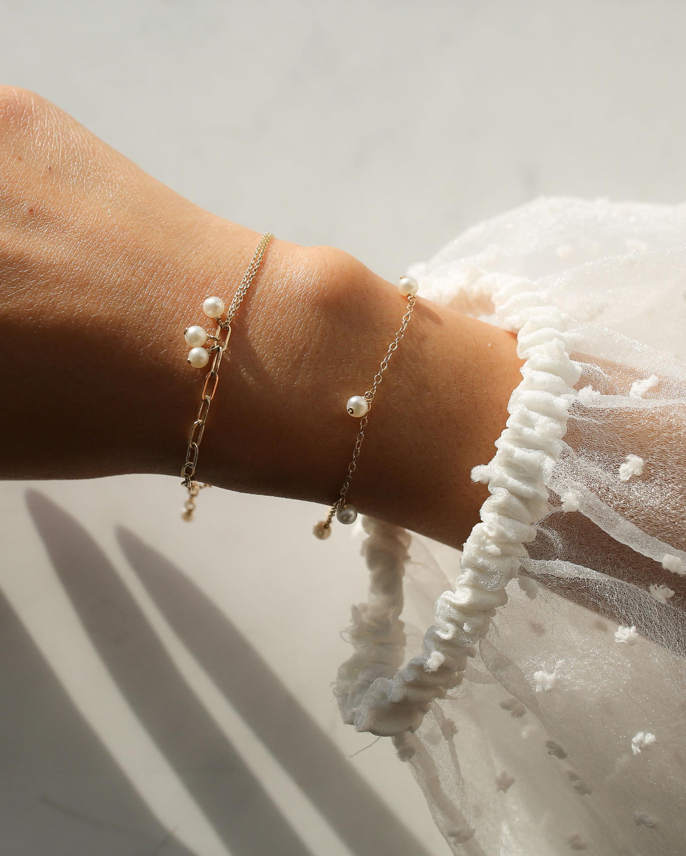 Poppy Finch Chain Pearl Bracelet 1