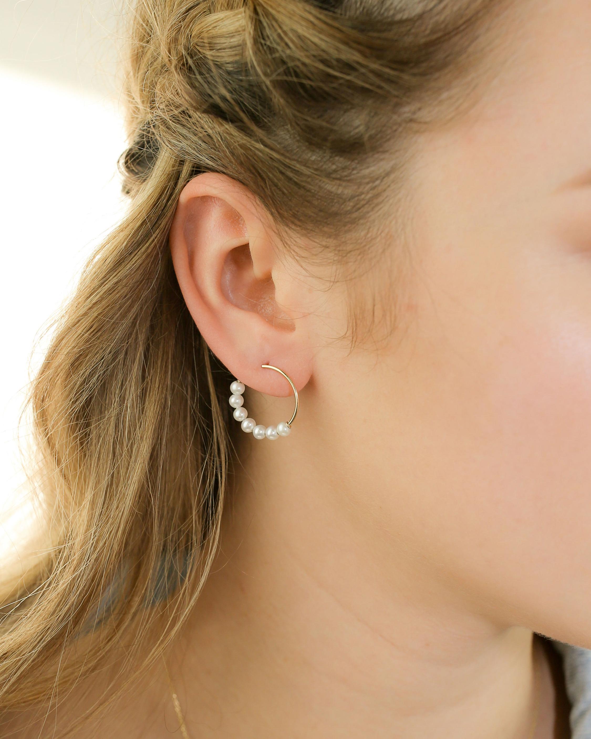 Poppy Finch Baby Pearl Hoop Earrings 1