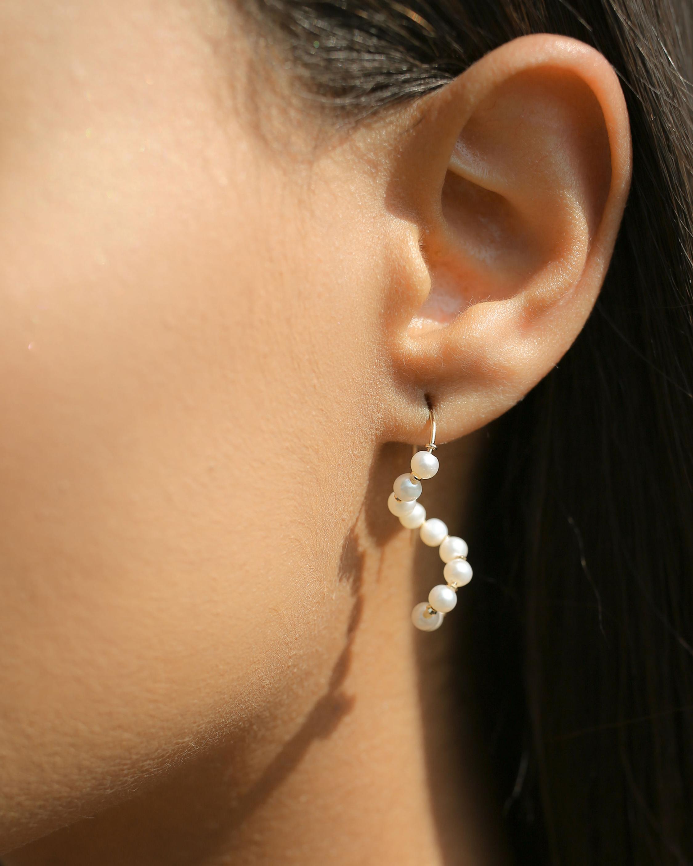 Poppy Finch Baby Pearl Short Wave Drop Earrings 2
