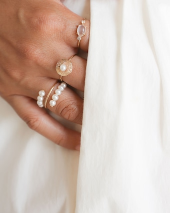 Poppy Finch Baby Pearl Spiral Ring 2
