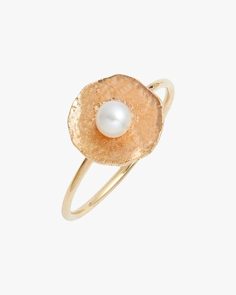Poppy Finch Petal Pearl Ring 1