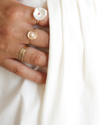 Poppy Finch Petal Pearl Ring 2