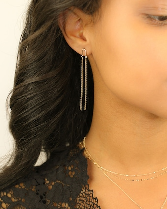 Arch Short Shimmer Earrings