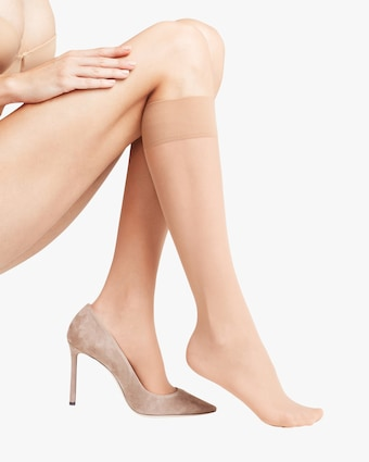 Matte Deluxe 20 Knee-High Stockings