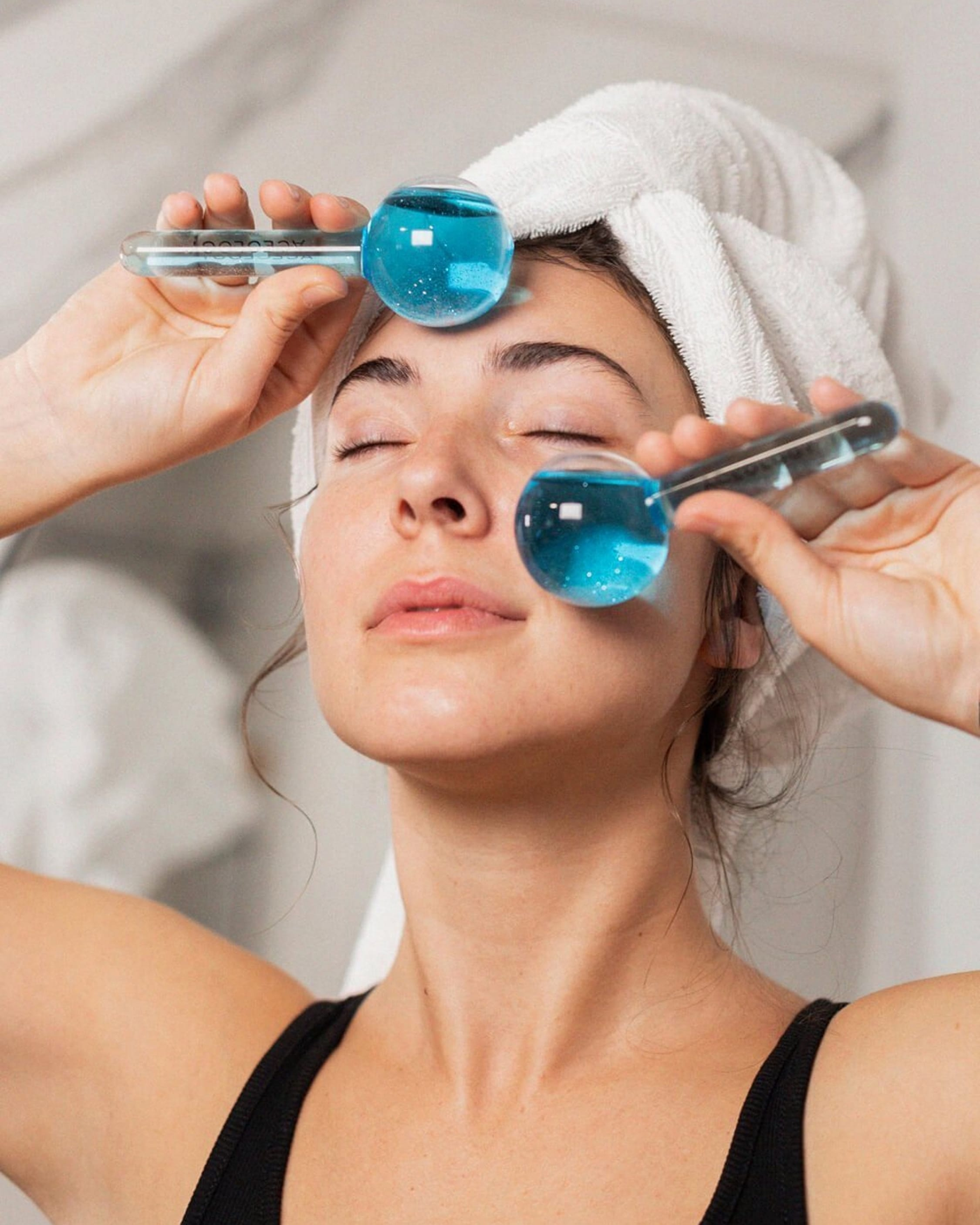 Aceology Blue Ice Globe Facial Massager 2