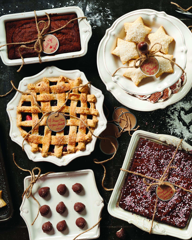 Berry & Thread Whitewash Pie Dish