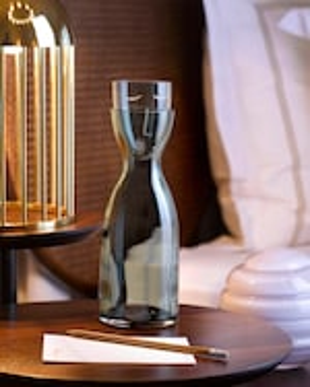 Nude Glass Mr. & Mrs. Night Tall Water Set 2
