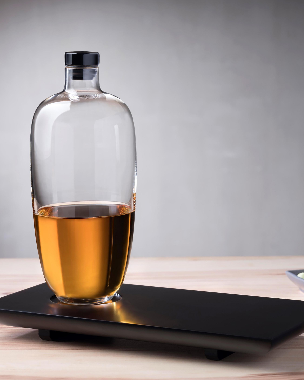 Nude Glass Malt Tall Whiskey Bottle & Tray 1