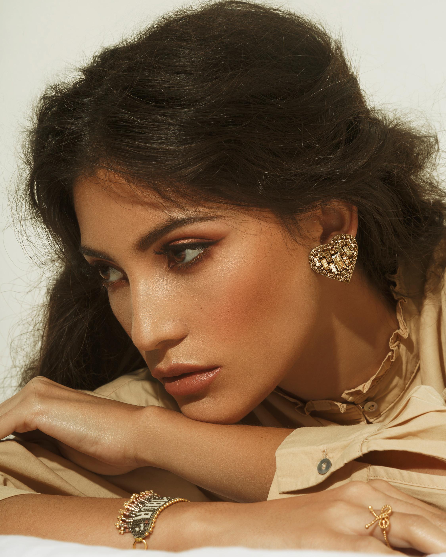 MÄHA & MORENA Crystal Heart Stud Earrings 1