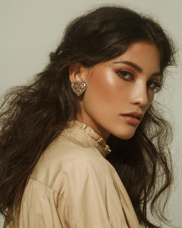 MÄHA & MORENA Crystal Heart Stud Earrings 2