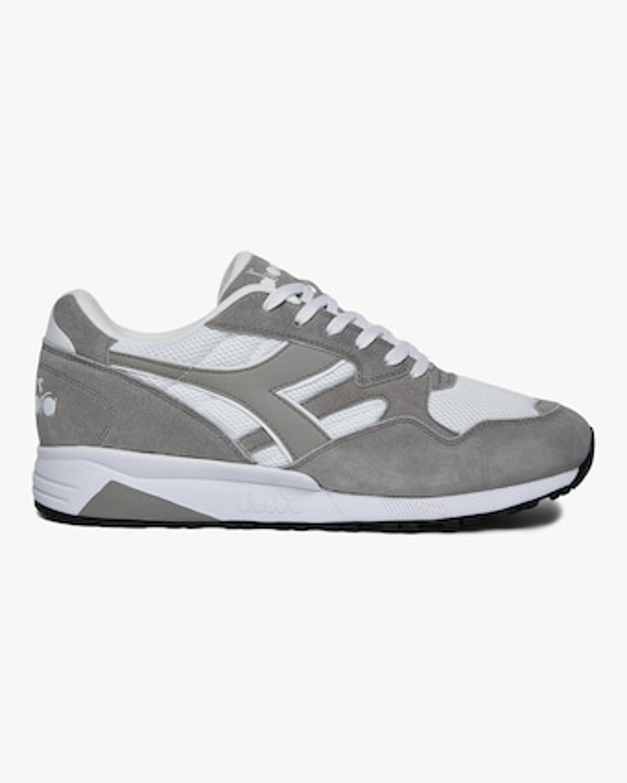 N902 STrainer Sneaker