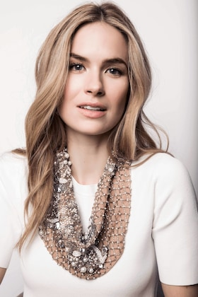 Le Charlot Pearl Scarf Necklace