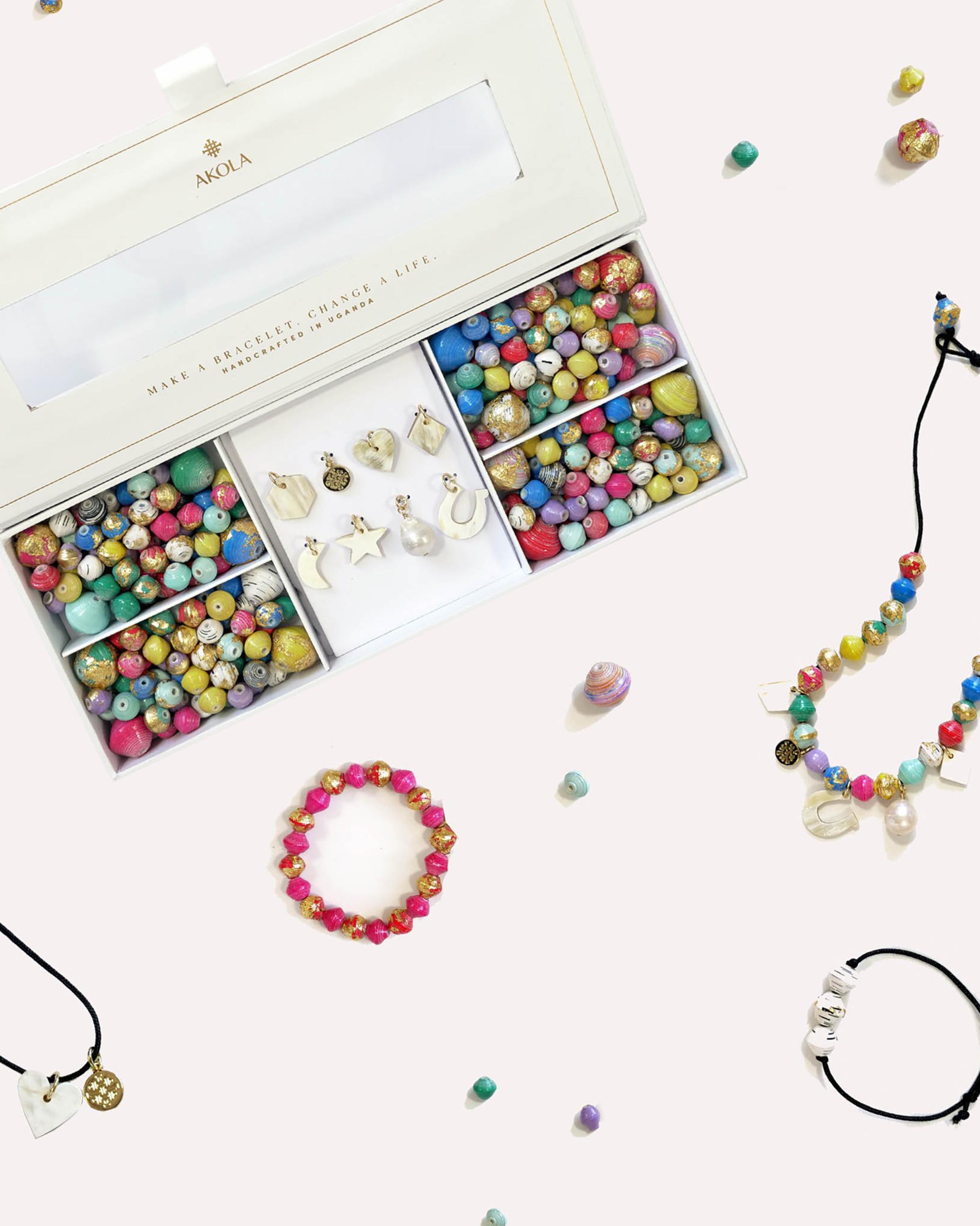 Akola Anasa Luxe Necklace & Bracelet Kit 1