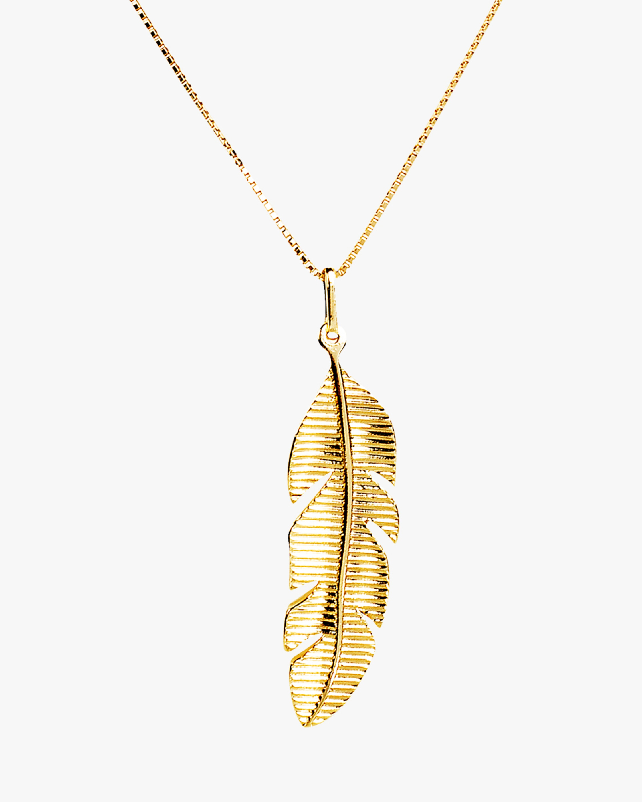 Essere Banana Leaf Pendant Necklace 2