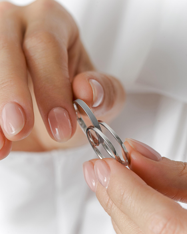 Marie Mas Unisex 18k White Gold WE Ring 1