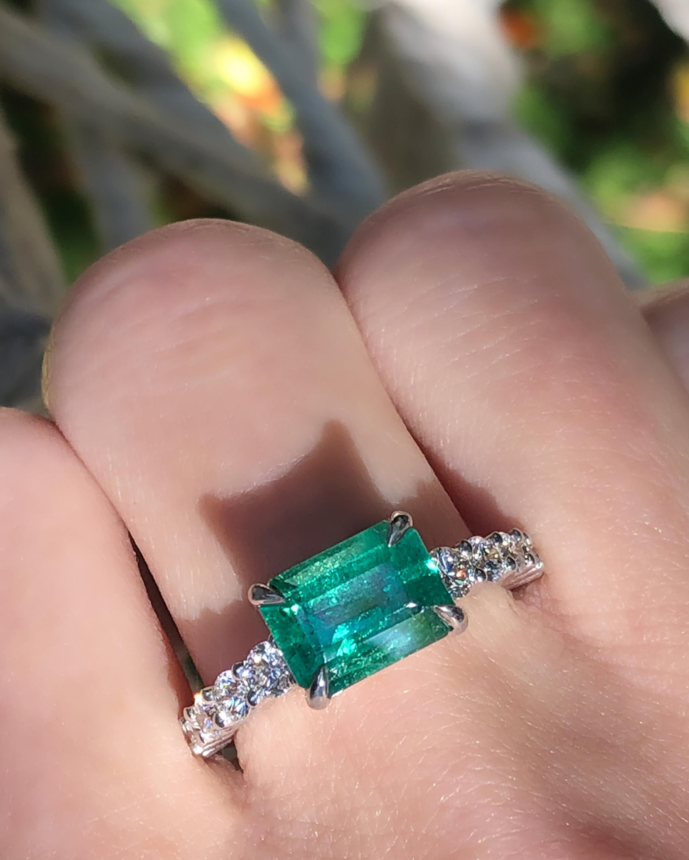 Chérut Royal Emerald & Diamond Ring 1