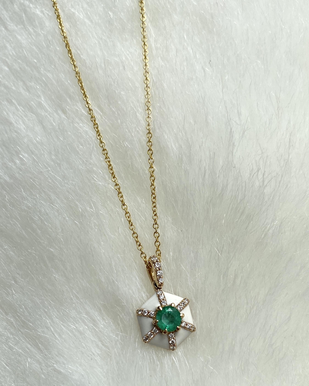 Goshwara Queen Round Emerald Pendant Necklace 2