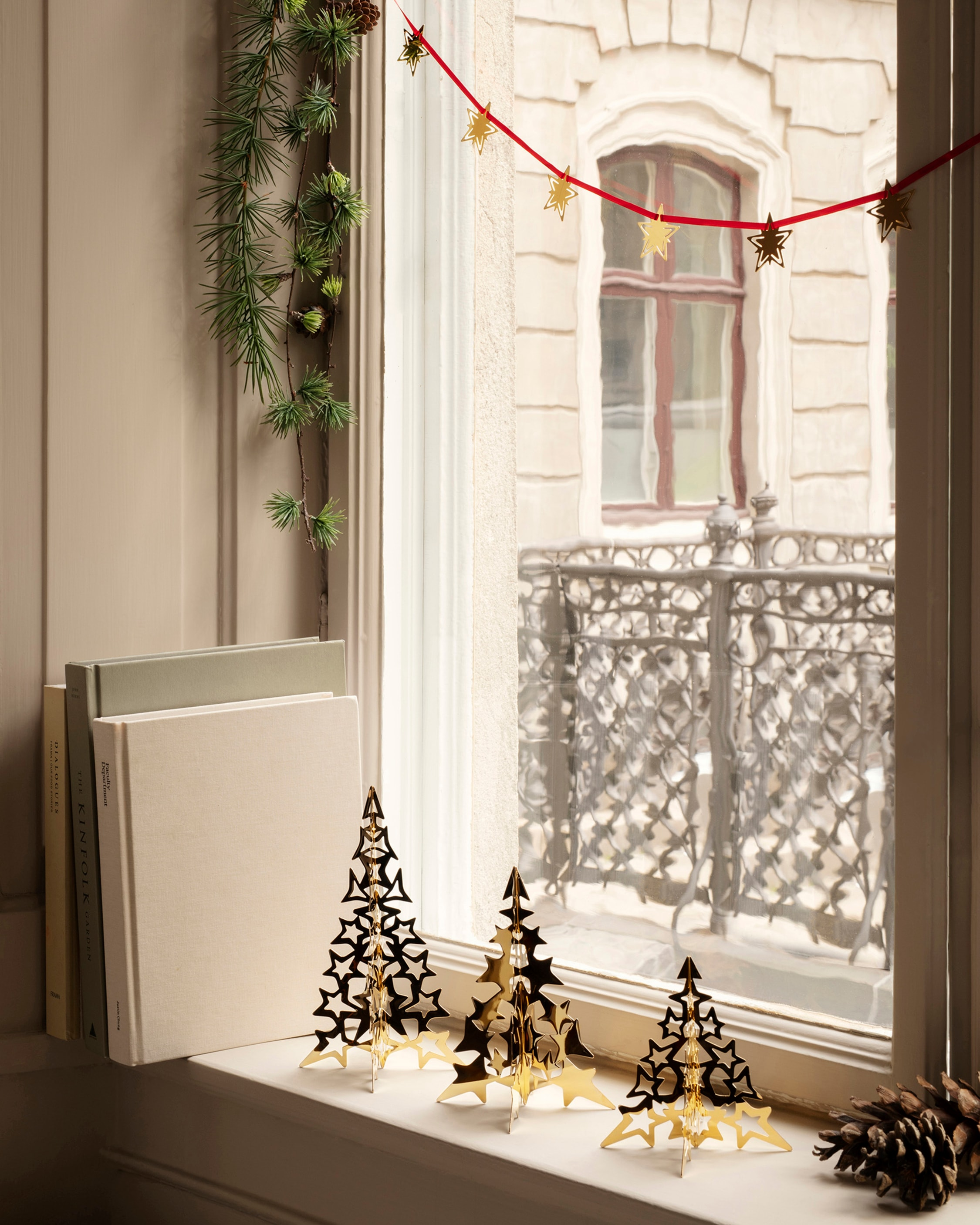 Georg Jensen Christmas Collection 2021 Gold Tree Star - Small 2