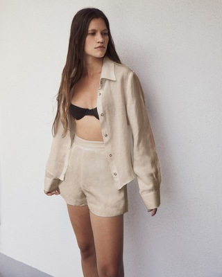 Anemos The High-Waisted Short Shorts 2